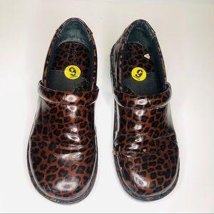 Born boc concept cheetah animal print clog shoes